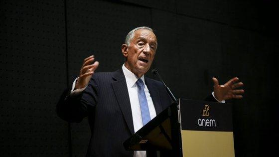 """Marcelo Rebelo de Sousa disse que é preciso olhar para o sistema e """"ver com uma visão de futuro, visão a médio e longo prazo"""""""