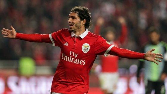Krovinovic marcou o primeiro com a camisola do Benfica e carimbou em definitivo a vitória encarnada