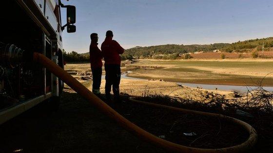 A situação mais grave é em Fagilde, a barragem perto de Viseu, onde só há água para mais um mês