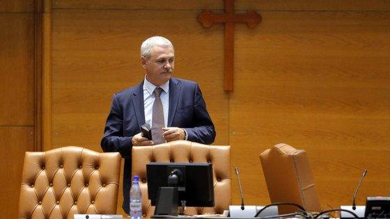 Liviu Dragnea, o homem forte da política romena, é suspeito de irregularidades na utilização de fundos europeus