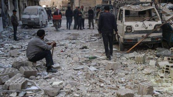 A Rússia e o Irão são aliados do presidente Sírio e a Turquia apoia os rebeldes que o combatem