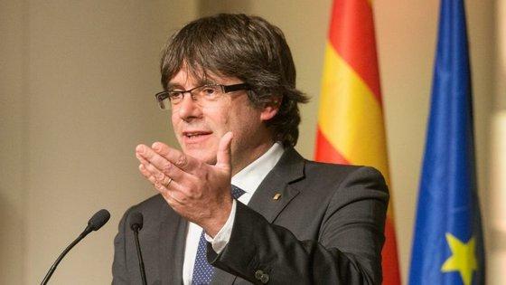 """""""São as eleições mais importantes da nossa história, que escreverão a crónica do século"""", disse Puigdemont"""