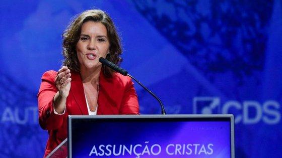 """Para Assunção Cristas, António Costa governa, na verdade, para """"a imagem, para a fotografia e para a propaganda"""""""