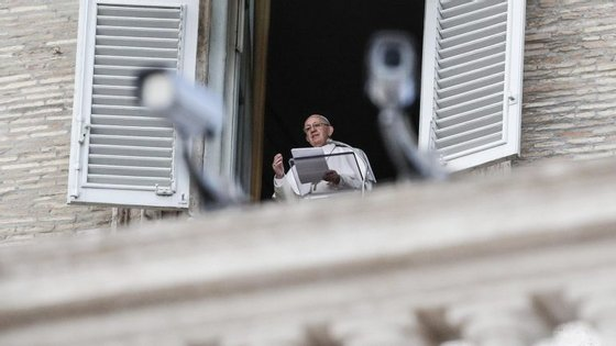 """O papa Francisco já tinha enviado um telegrama ao chefe de Estado do Egito a expressar a sua """"forte condenação"""" pelos ataques"""