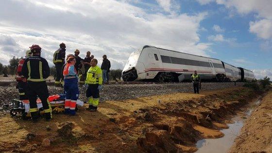 No comboio, que fazia um percurso de média distância, seguiam 79 passageiros