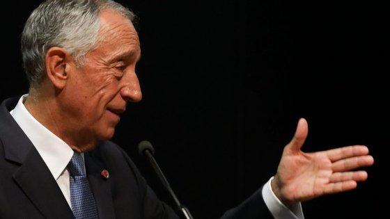 """Marcelo: """"importa às Finanças que o ministro das de Portugal continue a garantir um percurso que é indubitavelmente positivo"""""""