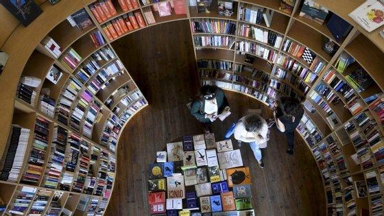 """""""Uma Vida de Herói. Morte e Transfiguração de Jaime Cortesão"""" chega às livrarias em outubro com chancela da Zéfiro"""