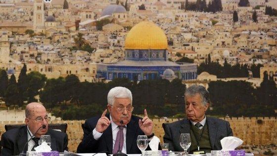 """""""Tenha vergonha"""", disse Mahmoud Abbas referindo-se a Trump"""