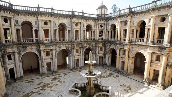 A exposição estará patente nas Salas do Noviciado, situadas no primeiro piso da fachada oeste do claustro da Micha, até finais de julho