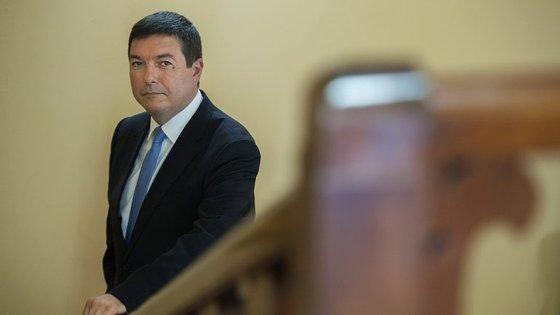 Álvaro Almeida foi candidato à câmara do Porto como independente. Candidatura foi apoiado pelo PSD. Ficou em terceiro lugar, atrás de Rui Moreira e do candidato do PS, Manuel Pizarro