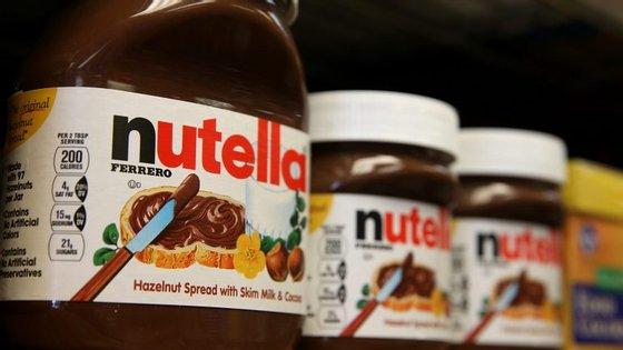 Os potes de Nutella de 950 gramas estão a ser vendidos a 1, 40 euros