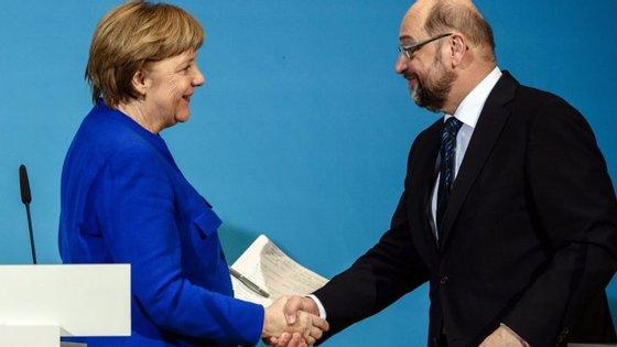 CDU, CSU e SPD realizaram longas negociações para chegar a um acordo de princípio
