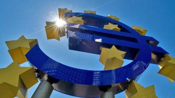"""As """"previsões de inverno"""" serão apresentadas na sede da Comissão pelo comissário europeu dos Assuntos Económicos, Pierre Moscovici, às 12h00 locais"""