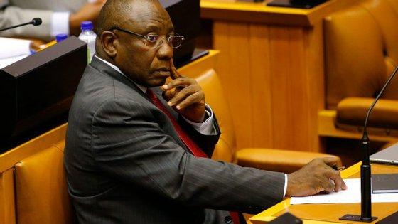 Cyril Ramaphosa foi eleito Presidente da África do Sul, após a demissão de Jacob Zuma