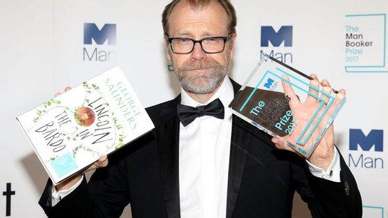 """George Saunders foi o vencedor da edição de 2017 do Man Booker Prize, com o romance """"Lincoln in the Bardo"""""""