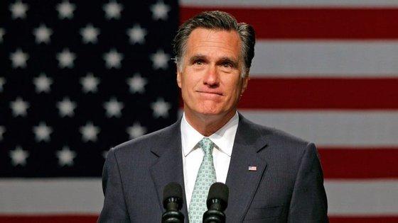 Mitt Romney está de volta à luta política