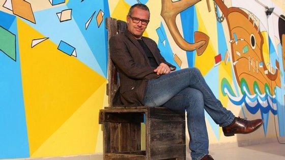 João Branco é o diretor do Centro Cultural Português do Mindelo, Instituto Camões
