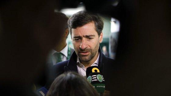 Mesmo à distância por compromissos profissionais, Madeira Rodrigues acompanhou e comentou AG do Sporting
