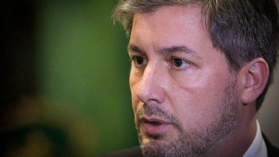 Bruno de Carvalho apelou aos sportinguistas no final da AG para deixarem de comprar jornais e verem televisão