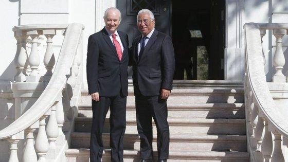 António Costa recebeu o líder do PSD na residência oficial do primeiro-ministro. Rio diz que encontro fez lembrar outros que tiveram no passado, enquanto autarcas