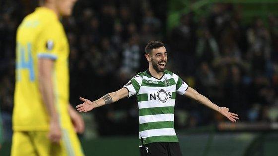 Bruno Fernandes encheu o campo na segunda parte com dois grandes golos que colocaram o resultado à condição em 3-1