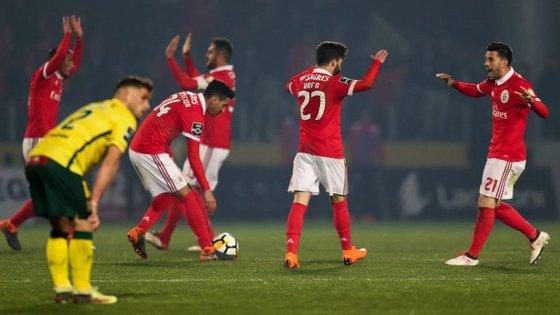 Pizzi comemora com Rafa mais um golo do Benfica: avançado português fez a melhor exibição da temporada (e até marcou)