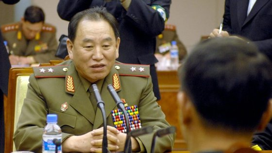Kim Yong-Chol é visto por muitos como o responsável pela morte de 46 marinheiros sul-coreanos, quando ordenou um ataque ao navio Cheonan, em 2010