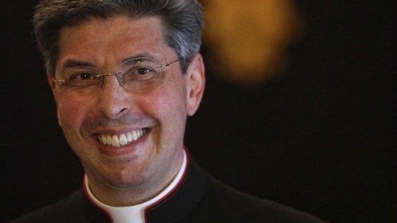 Nascido nos Açores, José Avelino Bettencourt é atualmente chefe de protocolo do Vaticano