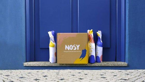 A Nosy aposta na subscrição de packs de garrafas e tem objetivo a descoberta do mundo vínico.