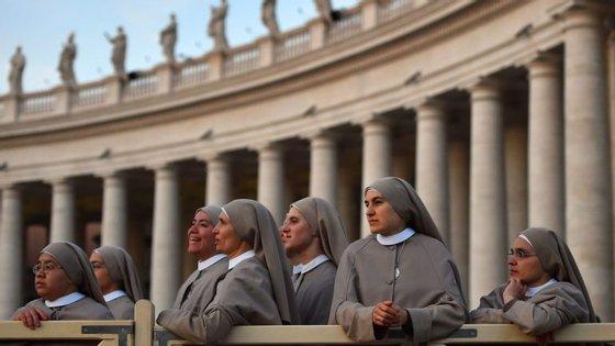 """""""Para o Vaticano, as mulheres são ótimas para os serviços de costura, para limpar a igreja, para as funções de secretariado"""", diz Maria João Sande Lemos"""