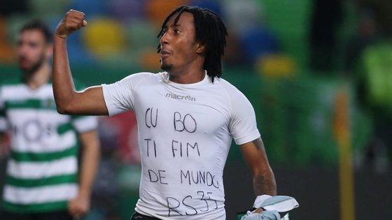 Gelson marcou o golo do Sporting ao Moreirense e foi expulso por tirar a camisola e mostrar uma dedicatória para Rúben Semedo