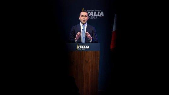 O Movimento 5 Estrelas, liderado por Luigi Di Maio, é o vencedor das eleições, embora tenha ficado aquém da maioria absoluta