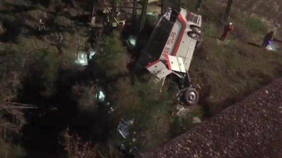 O autocarro transportava 40 pessoas quando se deu o acidente