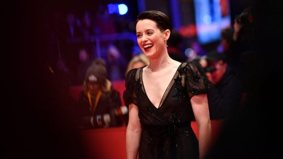 Claire Foy recebe cerca de 32 mil euros por episódio.