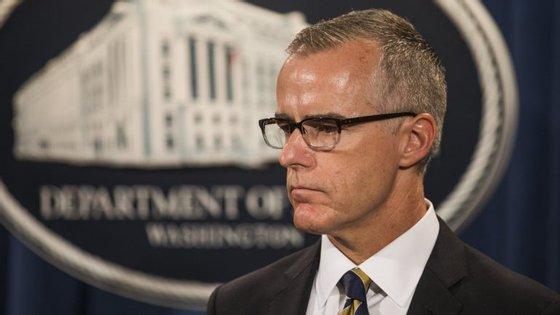Andrew McCabe foi diretor interino do FBI depois da demissão de James Comey e foi diretor adjunto até janeiro