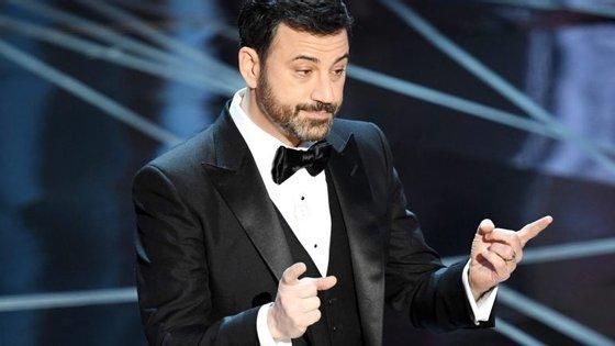 Jimmy Kimmel fez 50 anos em novembro, a idade recomendada para fazer a primeira colonoscopia