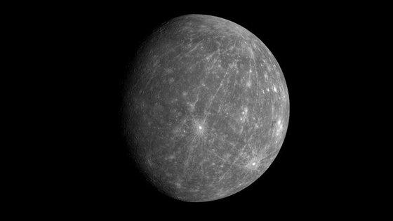 Mercúrio, o primeiro planeta do sistema solar, tem cerca de 70% de ferro