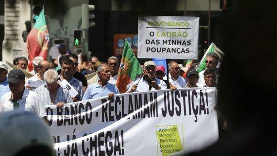 O protesto está agendado para o período entre as 11h e as 15h na Avenida dos Aliados, junto às instalações do Novo Banco