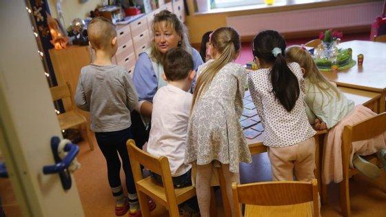 Mudança das regras nos apoios a famílias carenciadas com filhos em colégio foi apresentado em dezembro aos diretores. As matrículas já estavam fechadas