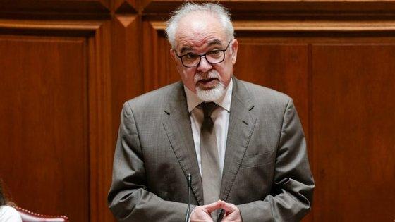O ministro Vieira da Silva esteve esta quarta-feira na Assembleia da República