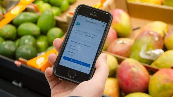 Através do Mercadão, os clientes podem fazer compras em lojas como o Pingo Doce, Science4You, VINHA e Arcádia.