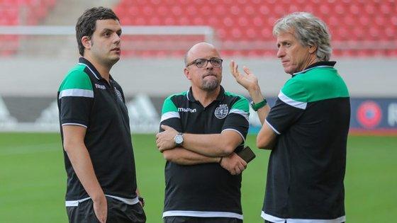 Nuno Saraiva (ao centro) é o diretor de comunicação do Sporting