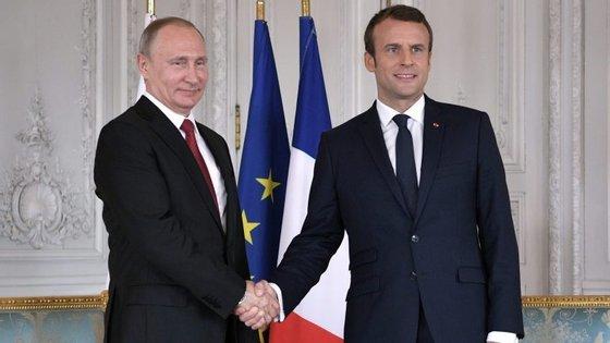 Moscovo e Paris acordaram em coordenar iniciativas para evitar uma escalada militar na Síria