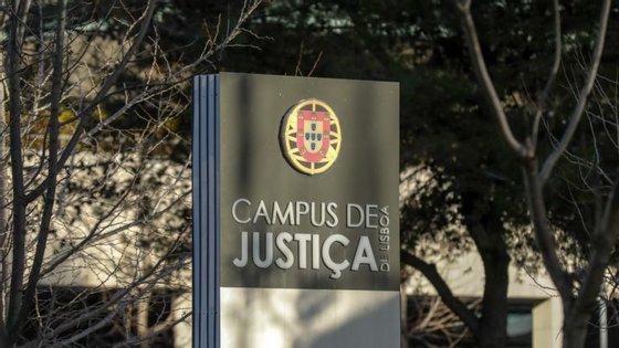 Debate instrutório decorreu no Campus de Justiça com reforço policial