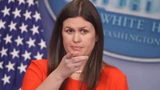 A assessora de imprensa da Casa Branca, Sarah Sanders, manteve a mensagem que transmitiu com a foto