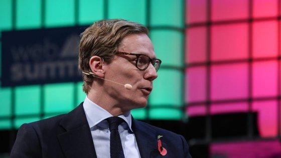 Alexander Nix foi presidente da Cambridge Analytica e esteve na Web Summit, em novembro