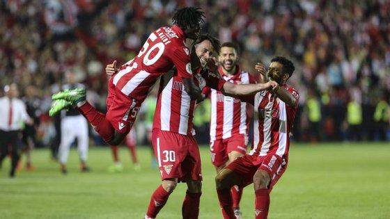 Vítor Gomes marcou os dois golos do Desportivo das Aves