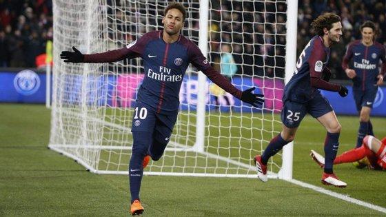 Neymar saiu do Barcelona para o PSG durante o verão de 2017