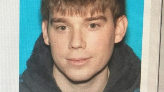 O suspeito de ter sido autor do tiroteio: Travis Reinking, de 29 anos