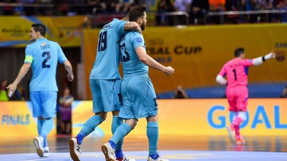 Gadeia inaugurou o marcador logo aos três minutos, num jogo onde o Inter esteve sempre na frente do resultado